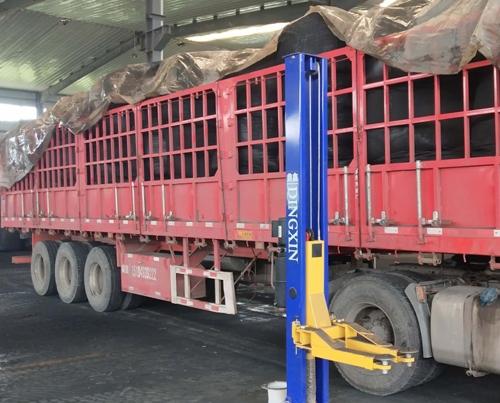 高品质粉状活性炭发往东北油田